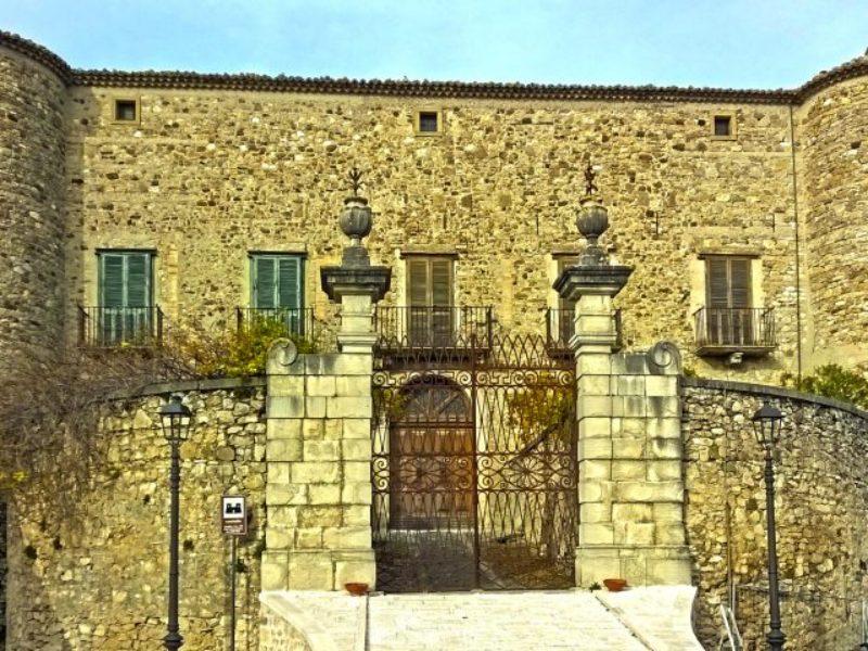 Visita guidata al Castello di Zungoli